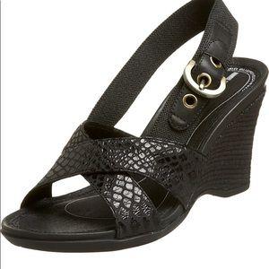 ROCKPORT Black Wedge Sandals (91/2) like NEW!!!